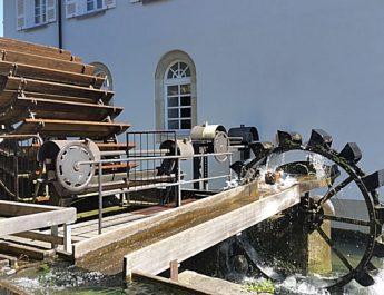 Eine versteckte Sehenswürdigkeit ist das Wasserrad an der Alten Mühle in Reutlingen
