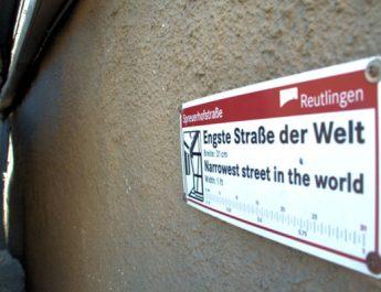 Die Spreuhofstrasse in Reutlingen ist die schmalste Strasse der Welt.