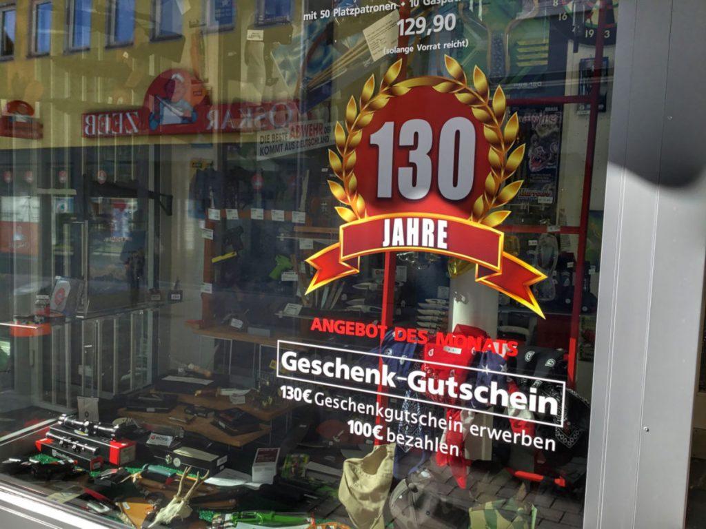 Zum 130. Geburtstag präsentiert Brucklacher jeden Monat eine Jubiläums-Aktion.