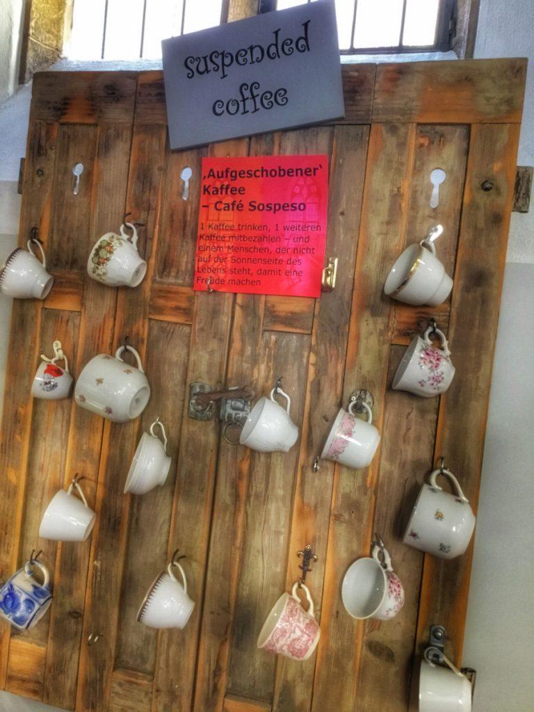 suspended coffee bietet das Nikolai Cafe in reutlingen an.