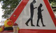 Gibt es Reutlingens Smombie -Schild bald als Souvenirartikel