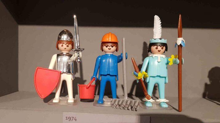 Mit drei Themen startete Playmobil im Jahr 1974 - Ritter, Bauarbeiter und Indianer