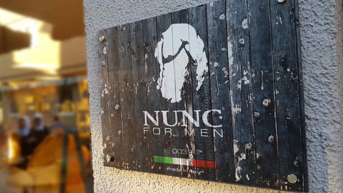 NUNC bietet Mode made in Italiy für Männer
